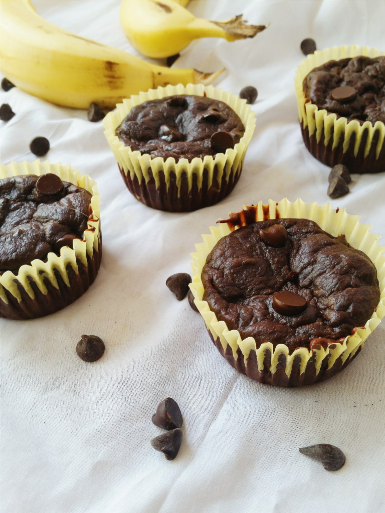 Healthy chocholate-chip muffins