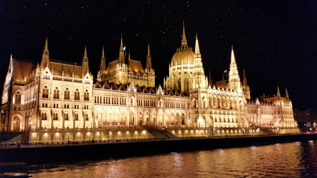 Budapest boat cruise at night
