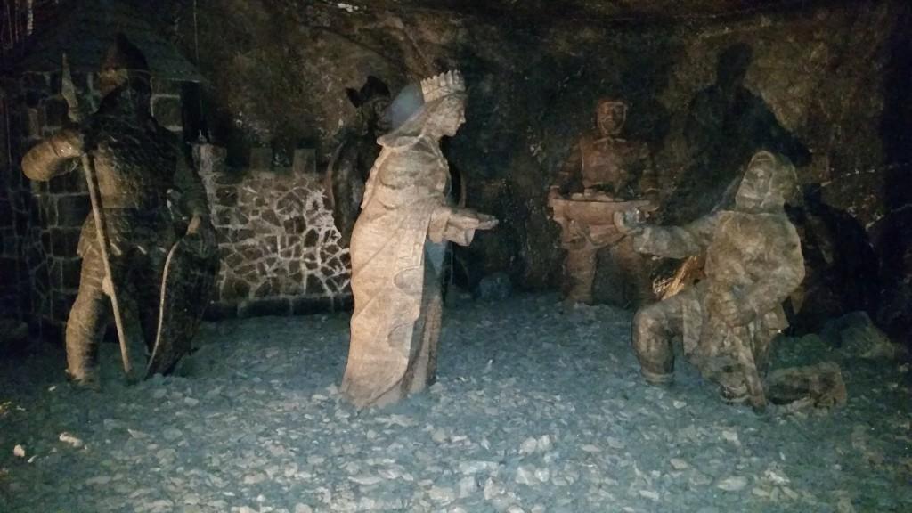 krakow salt mine statues