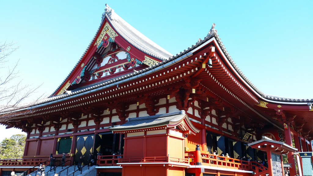 Tokyo temple red