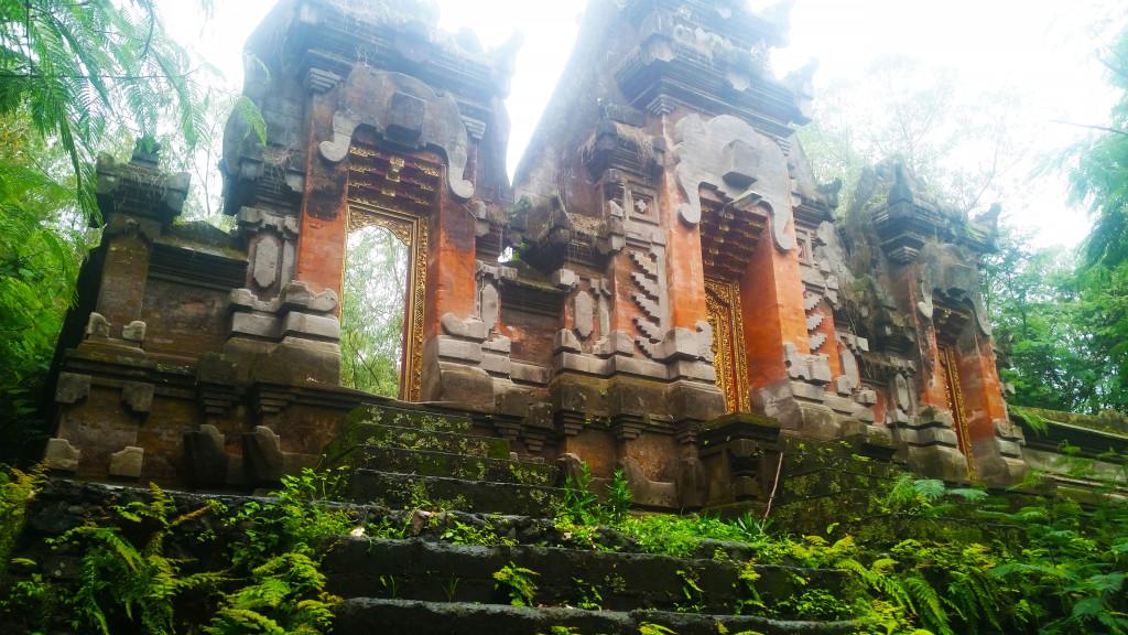 Bali hiking ruins