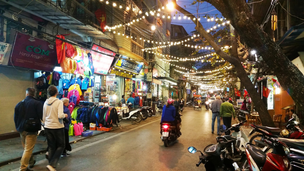 Hanoi streets at night