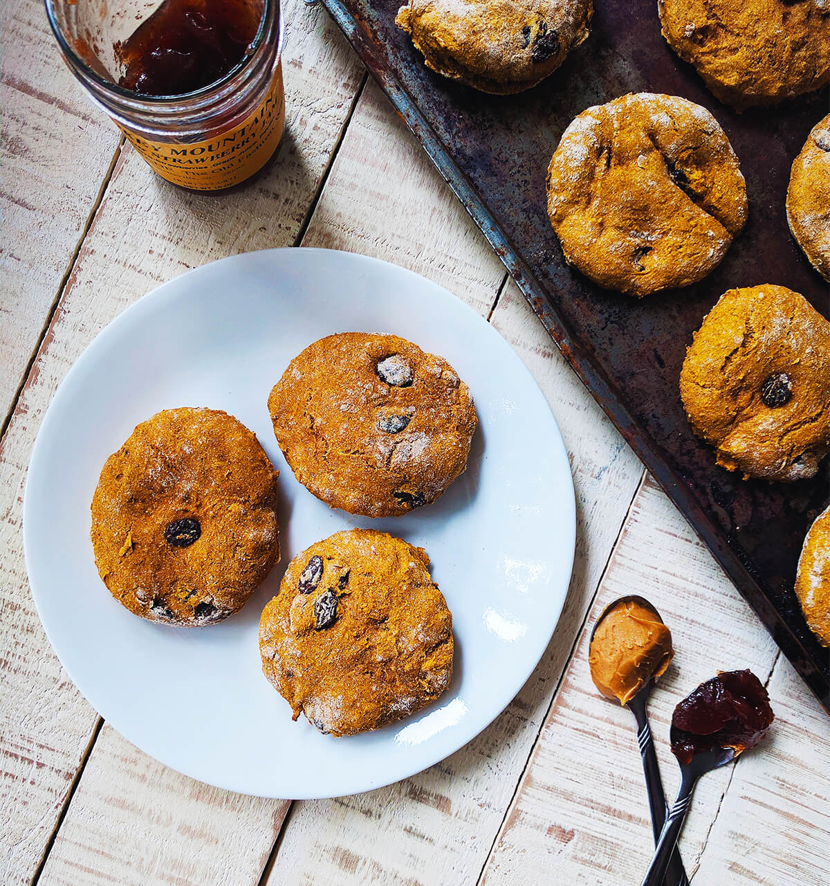 pumpkin raisin scones