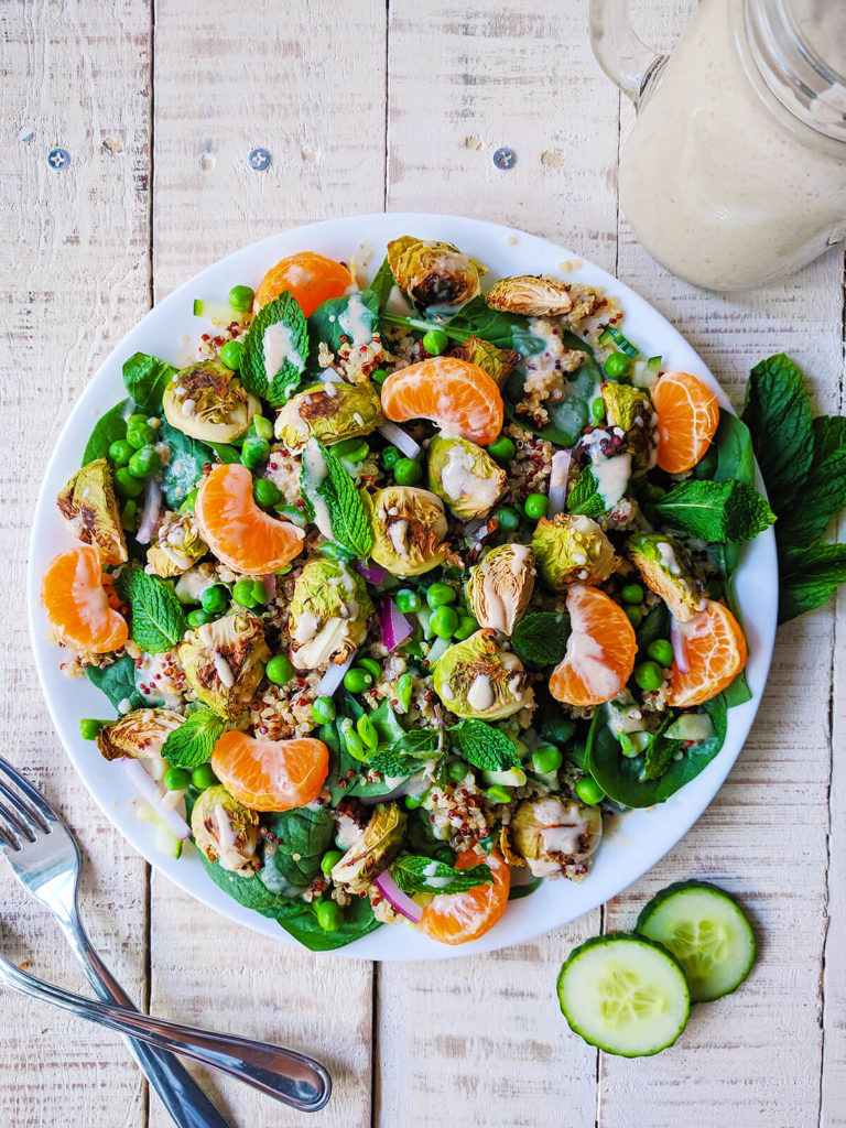 spinach quinoa salad with tahini dressing