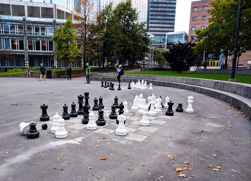 oslo giant chess