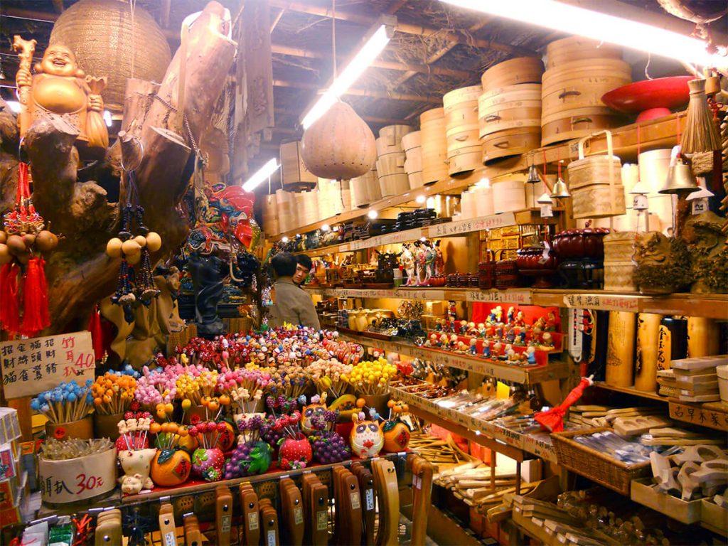 Jiufen shops