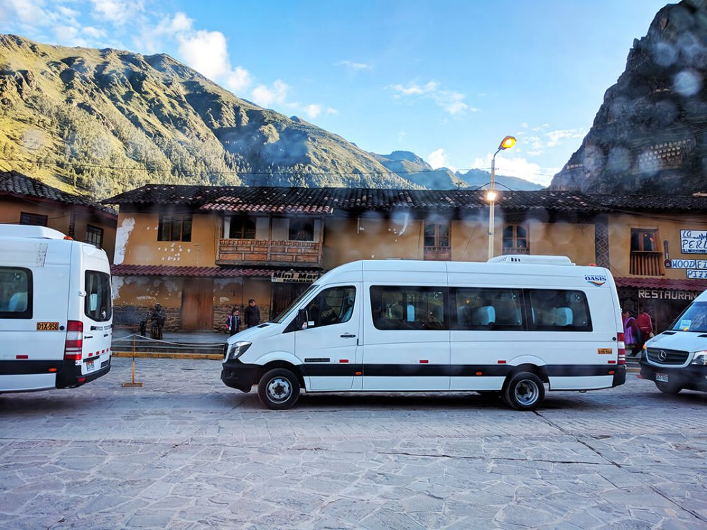 bus to ollantaytambo