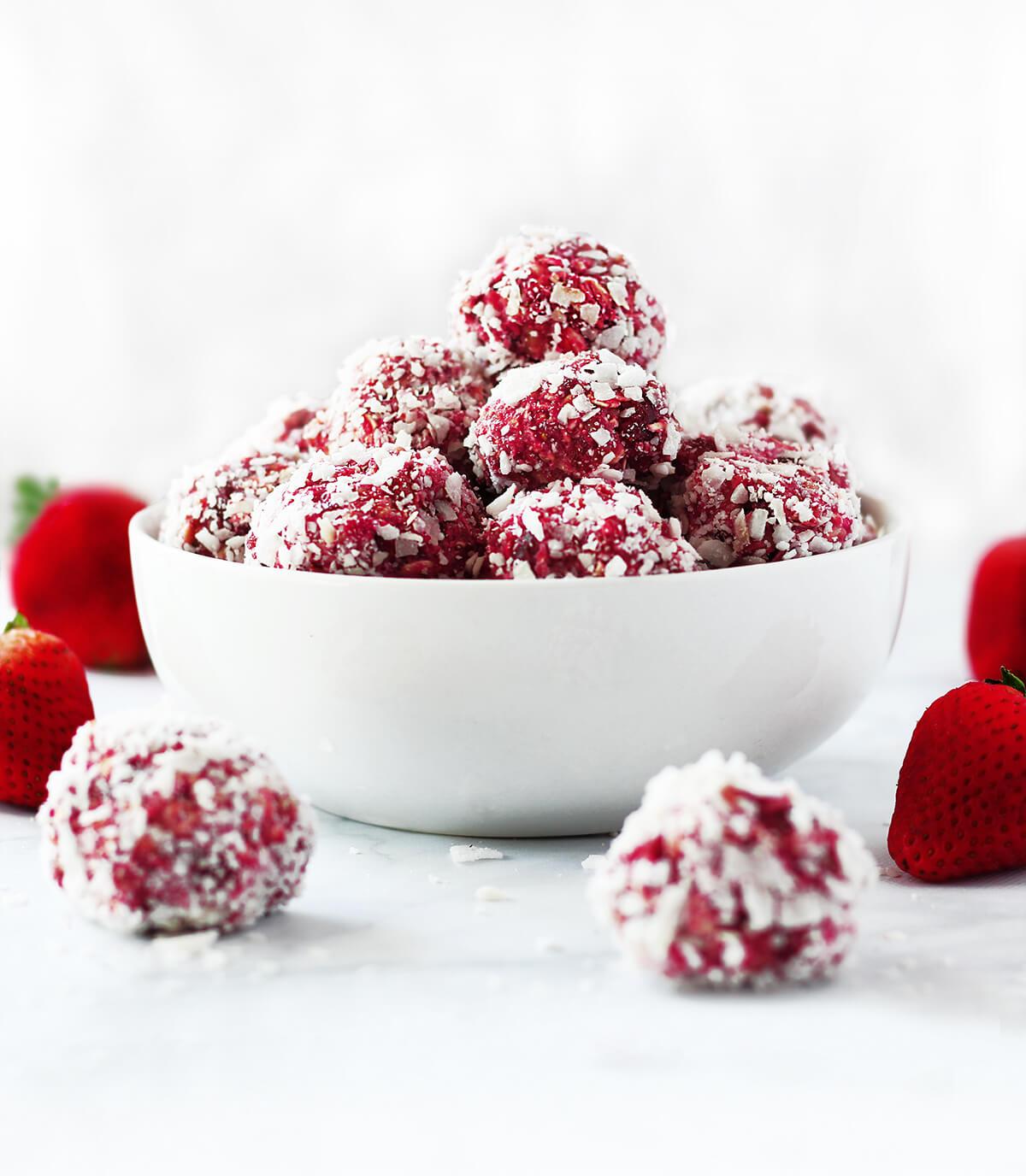 sugar free strawberry energy bites