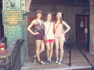 Disney World sisters House of Blues